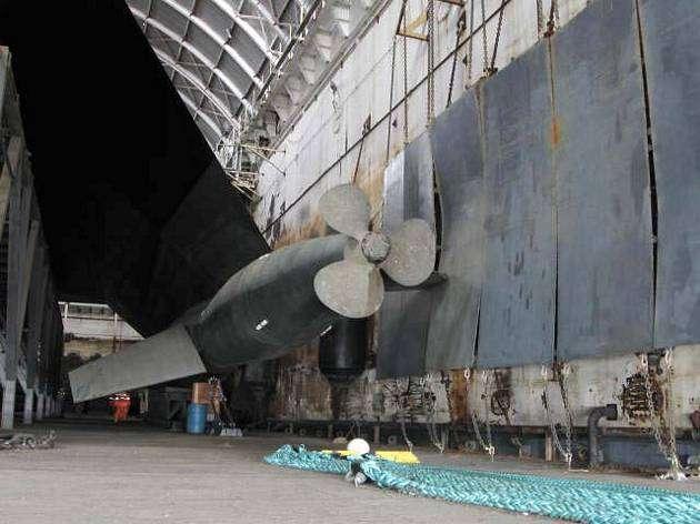094652923 - La Marina de Estados Unidos vende el primer barco invisible por 73800 Euros